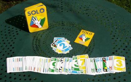 jeu de carte solo rubrique : Escale   L'Essentiel